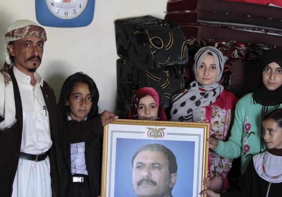 Chief rabbi of Yemenite Jews Yahya Yosef Mosa with his family