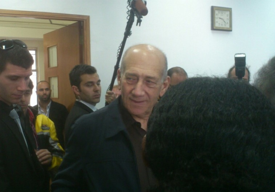 Ehud Olmert in court for closing arguments in the Talansky retrial