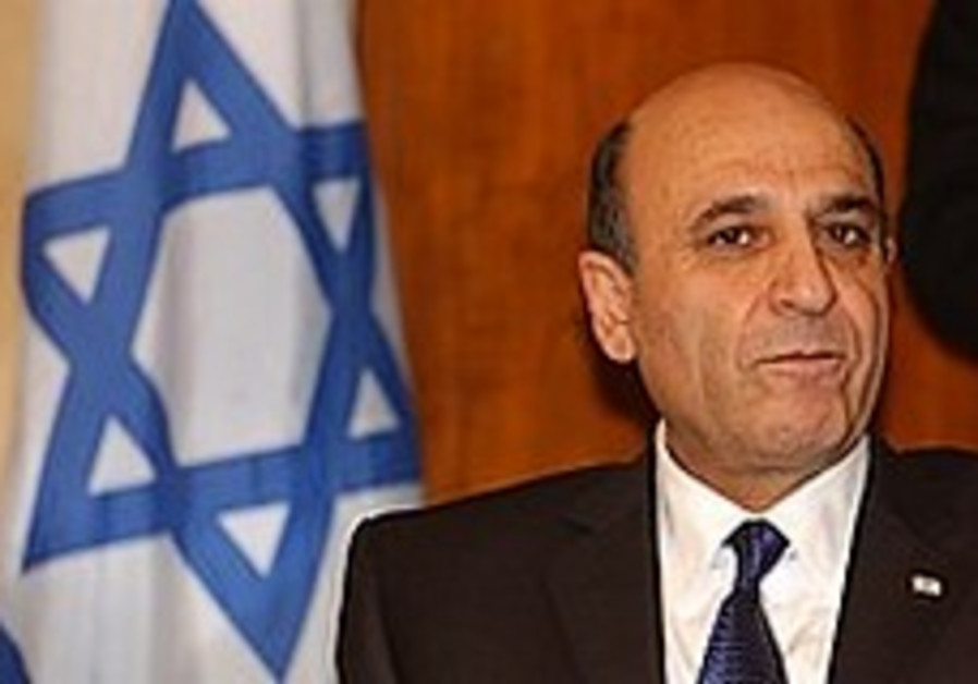 Likud: Mofaz criticism of Netanyahu is hypocritical