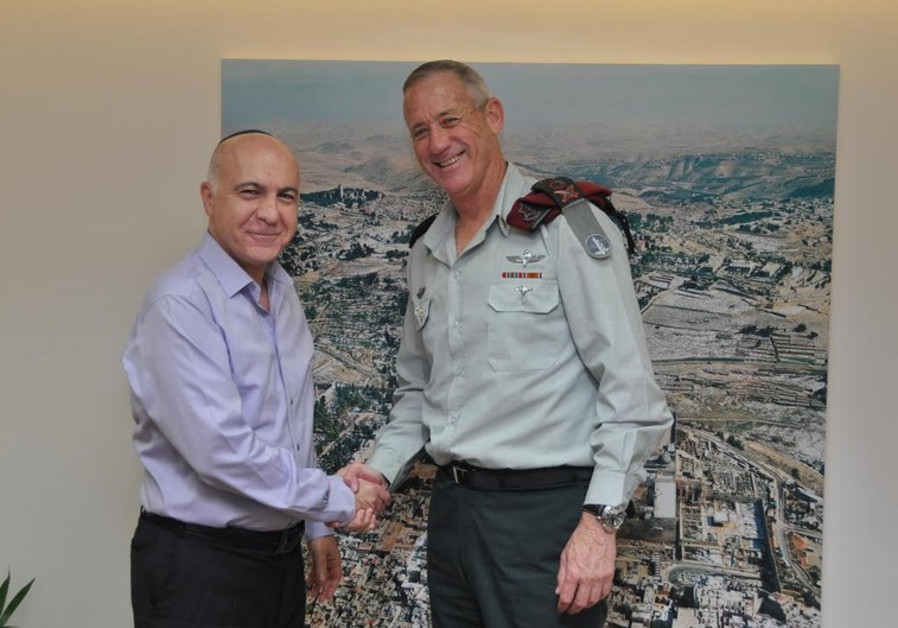 Shin Bet chief Yoram Cohen bids farewell to IDF Chief of Staff Benny Gantz