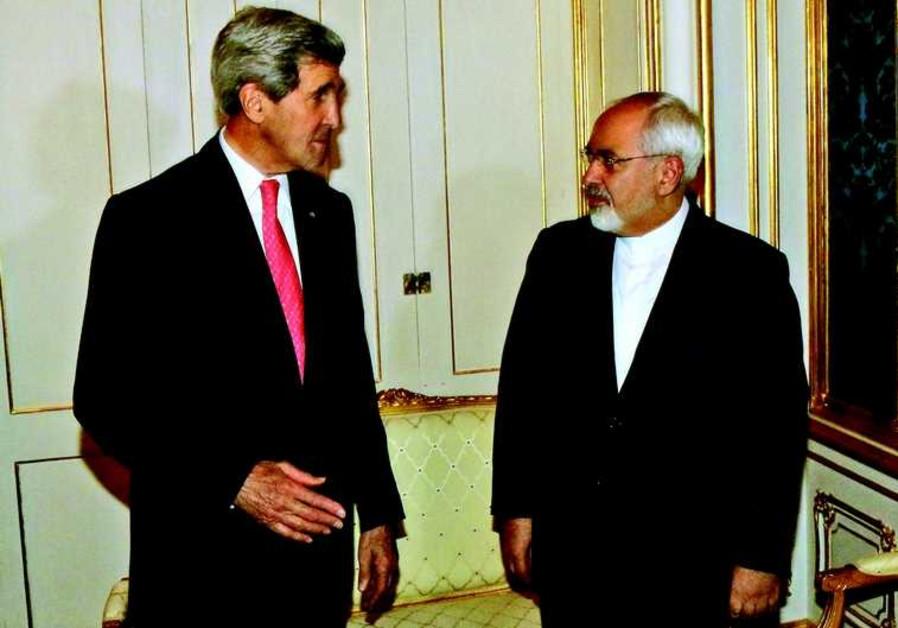 John Kerry et le ministre iranien des Affaires étrangères Mohammed Javad
