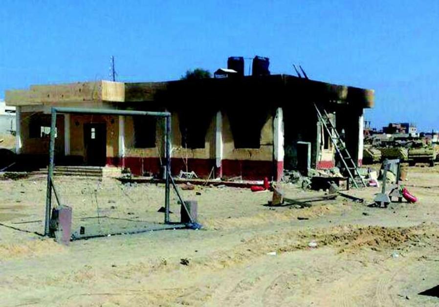 Bâtiment détruit par une attaque djihadiste dans le Sinaï le 29 janvier
