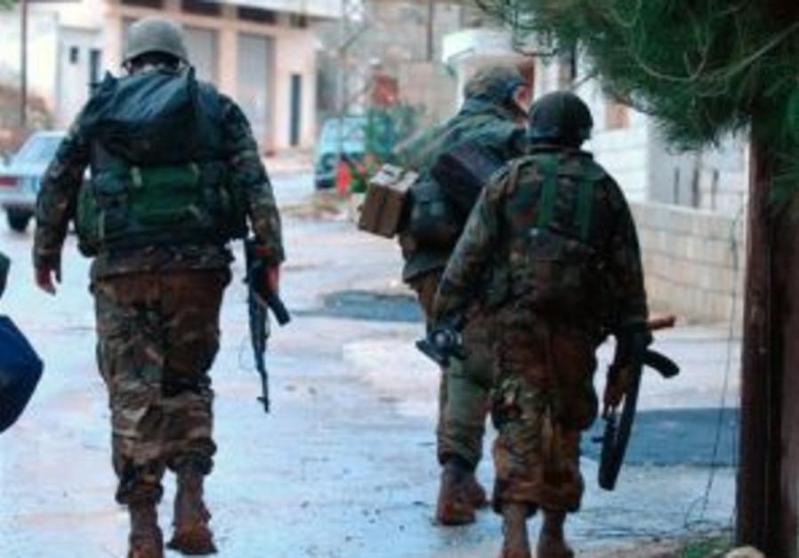 Troops shoot gunman from s. Lebanon