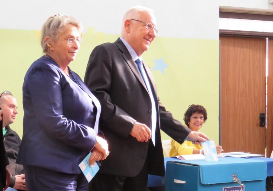 President Reuvin Rivlin votes in Jerusalem
