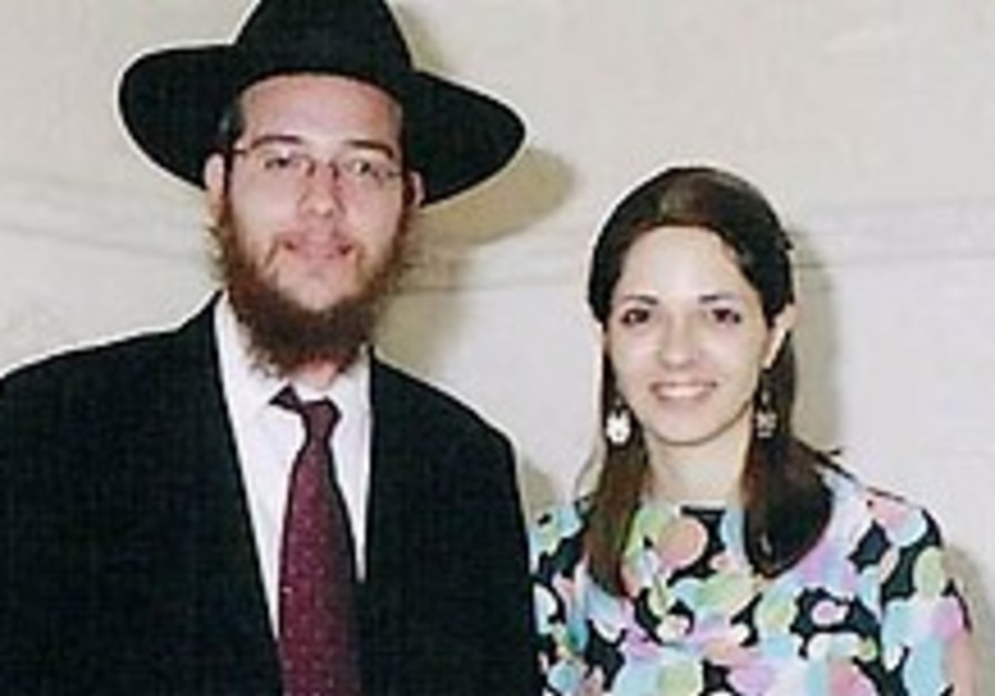 Holtzbergs' parents to light candles in Mumbai