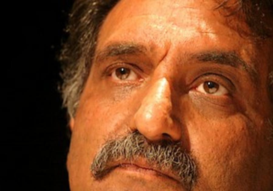 Bishara reportedly meets Gaddafi