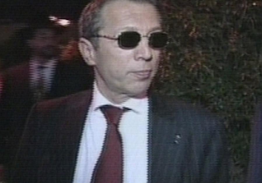 Arkady Gaydamak wearing shades at night 298.88