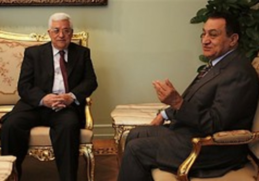 Abbas: PA won't control Rafah crossing for now