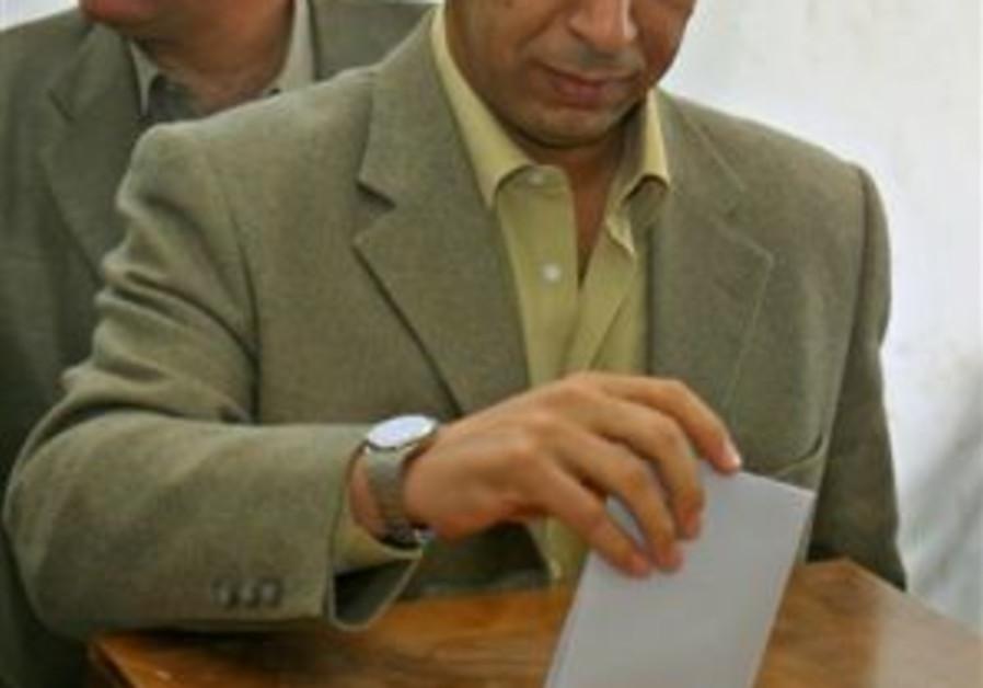 dahlan voting 298.88