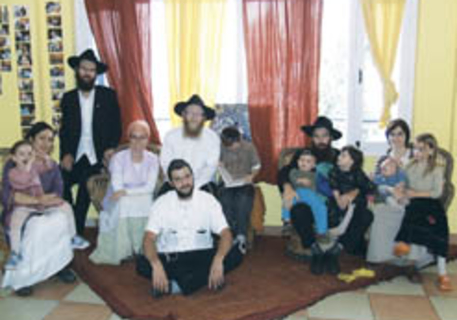 New Indian Chabad House to reach out... to gentiles