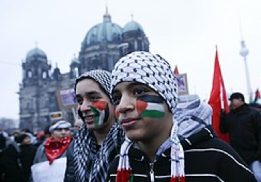 Thousands in Europe protest against Gaza operation