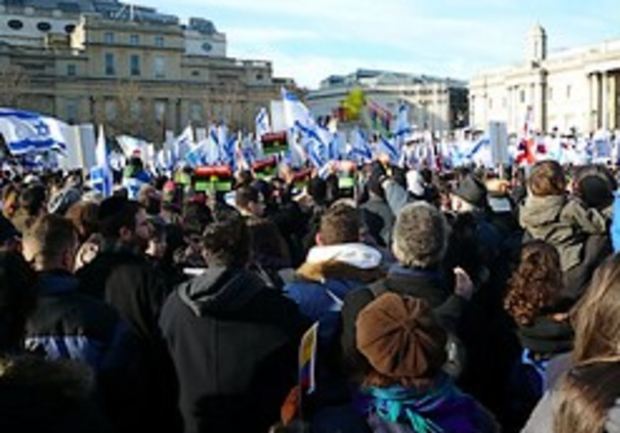 Thousands of pro-Israel demonstrators turn out in Germany