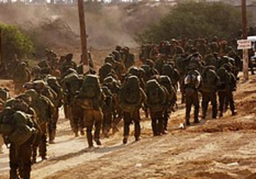 2 Arabs who broke IDF censorship jailed