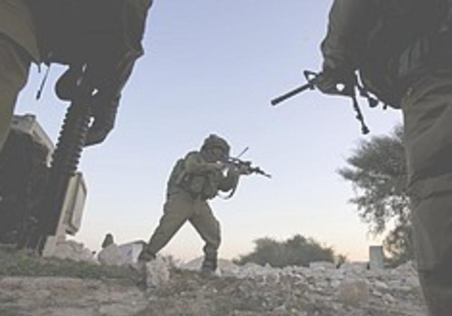 Israel takes to airwaves, phones to warn Palestinians against Hamas