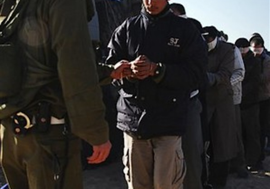 Report: 42 Palestinians held in Israel without trial