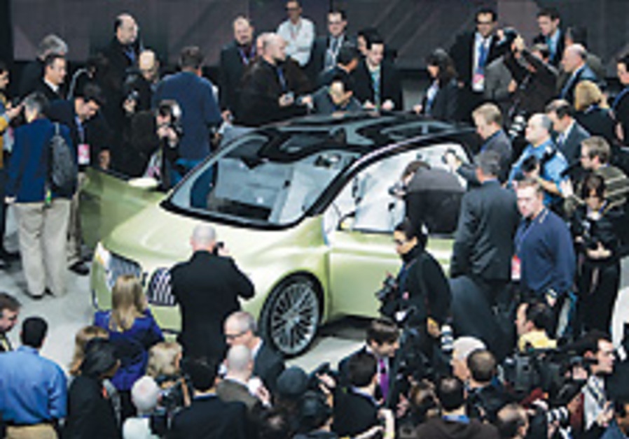 US automakers polish their images at Detroit auto show