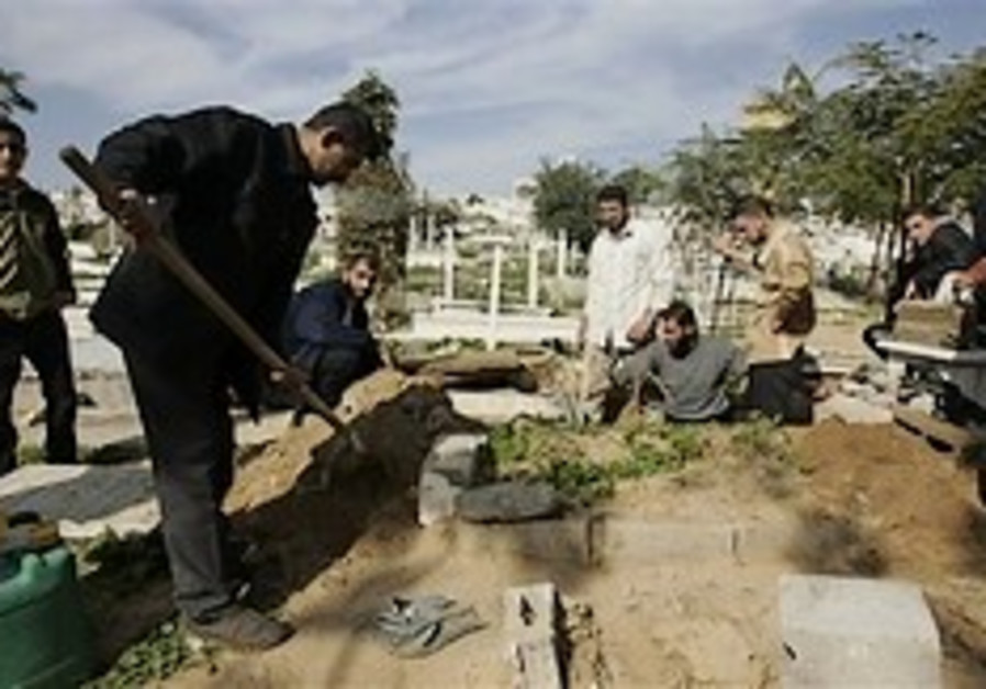 Gazans seek new places to bury the dead