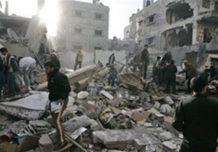 Israeli groups: Probe IDF 'war crimes'