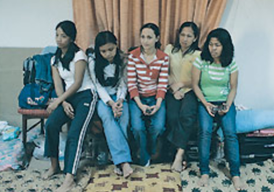 Filipino maids in Mideast jobs say they face abuse