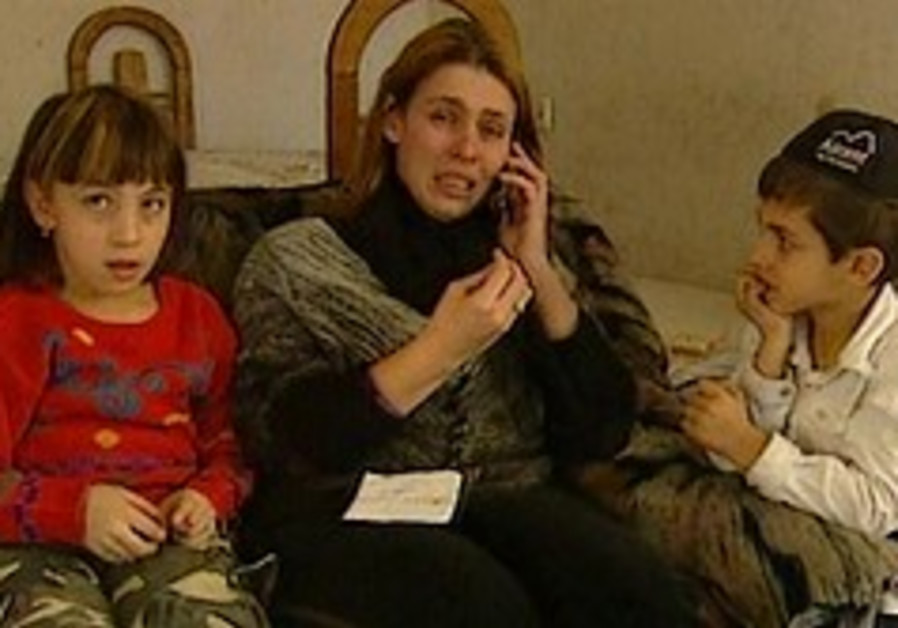 Israeli woman seeks reunion with her children in Gaza