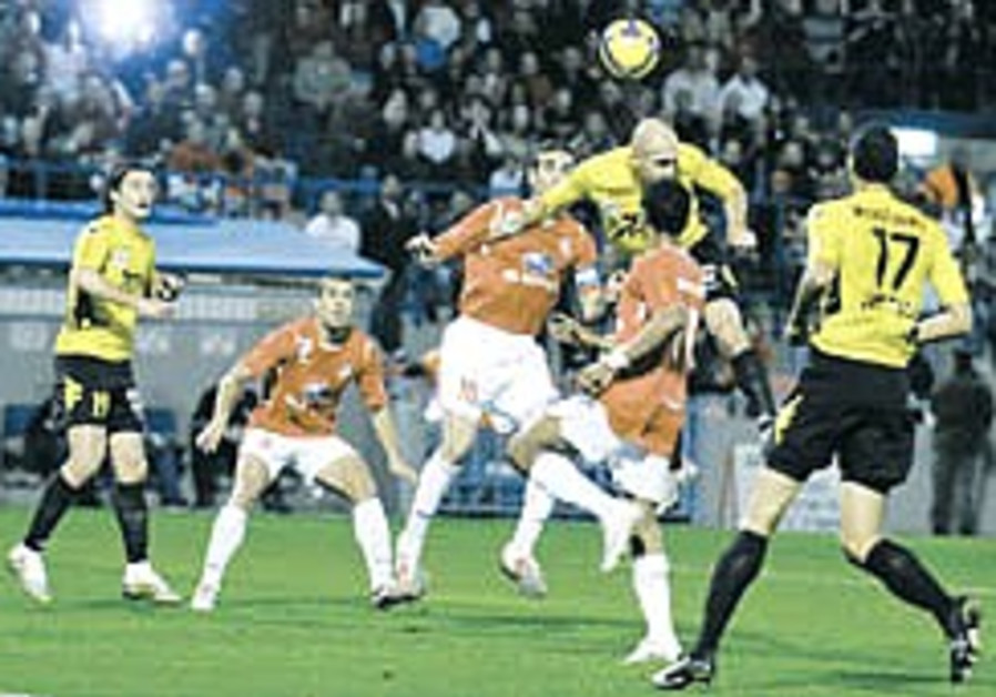 Local Soccer: Hapoel leapfrogs Netanya into second place