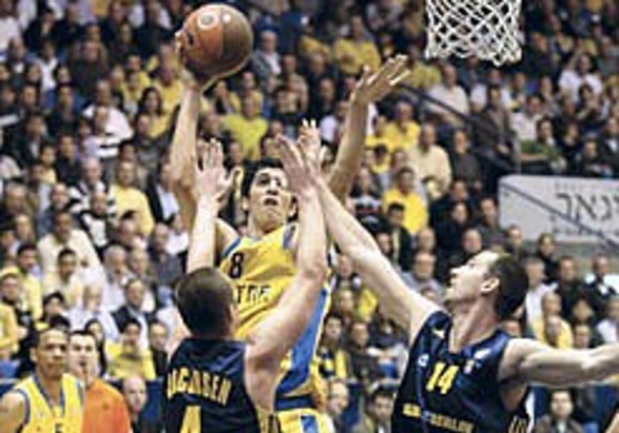 Euroleague Basketball: Mac TA cruises in Top 16 opener