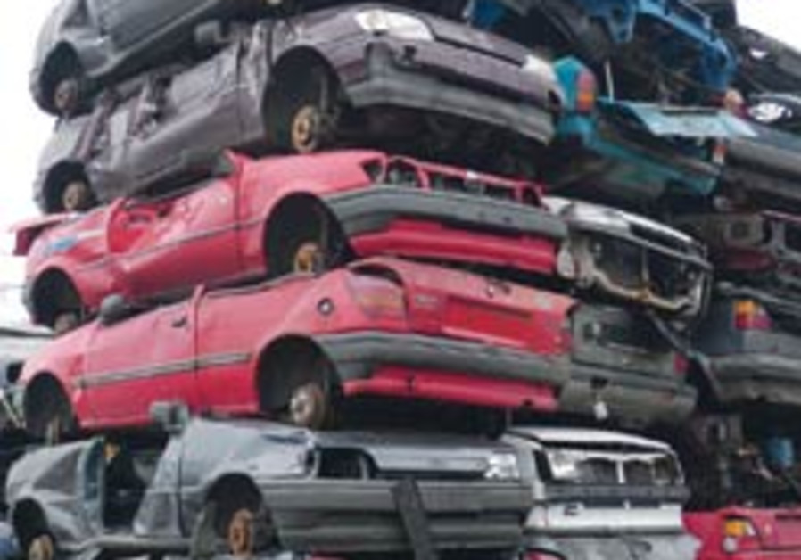 Crush your wreck, says German government