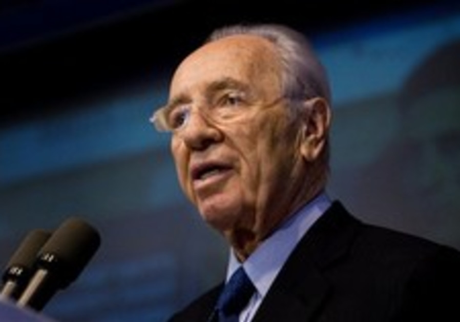 Peres: Those Arab countries would love the freedom Israelis have