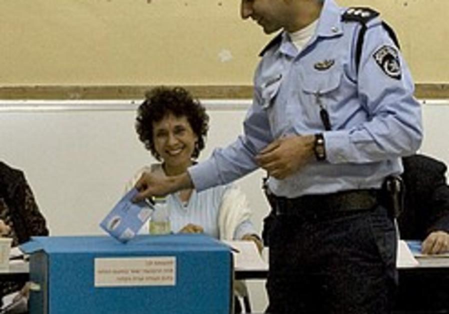 Election overseer calls vote 'boring'