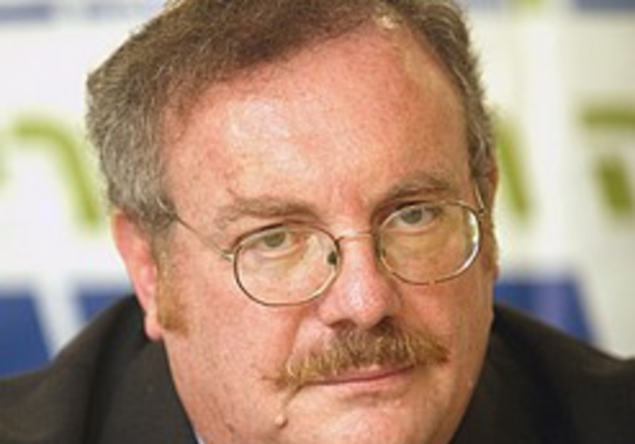 Netanyhau tries to reassure MKs on settlements