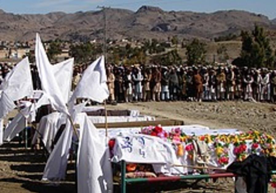 US general visits Afghan bomb site for death claim