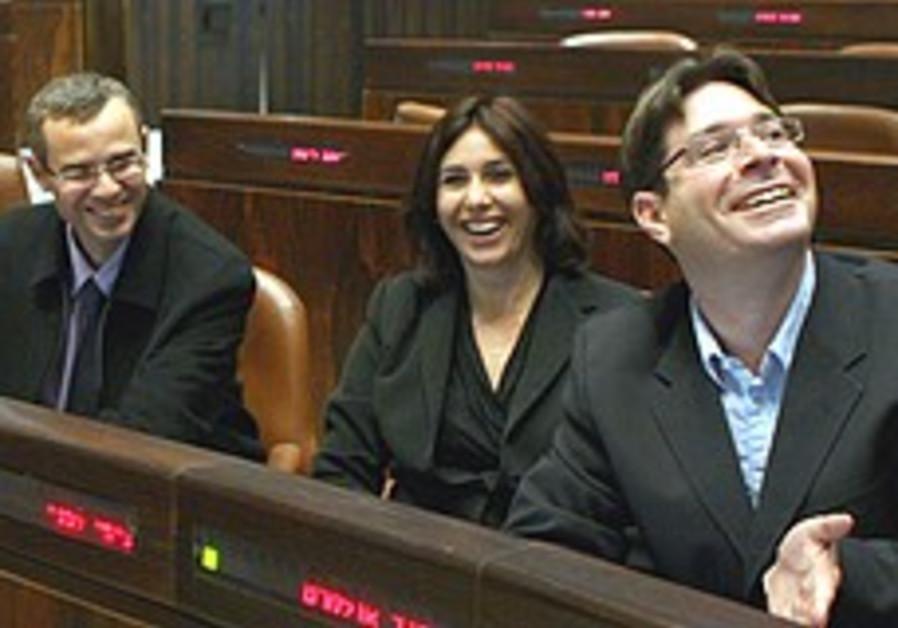 Akunis warns against rebellion in Likud
