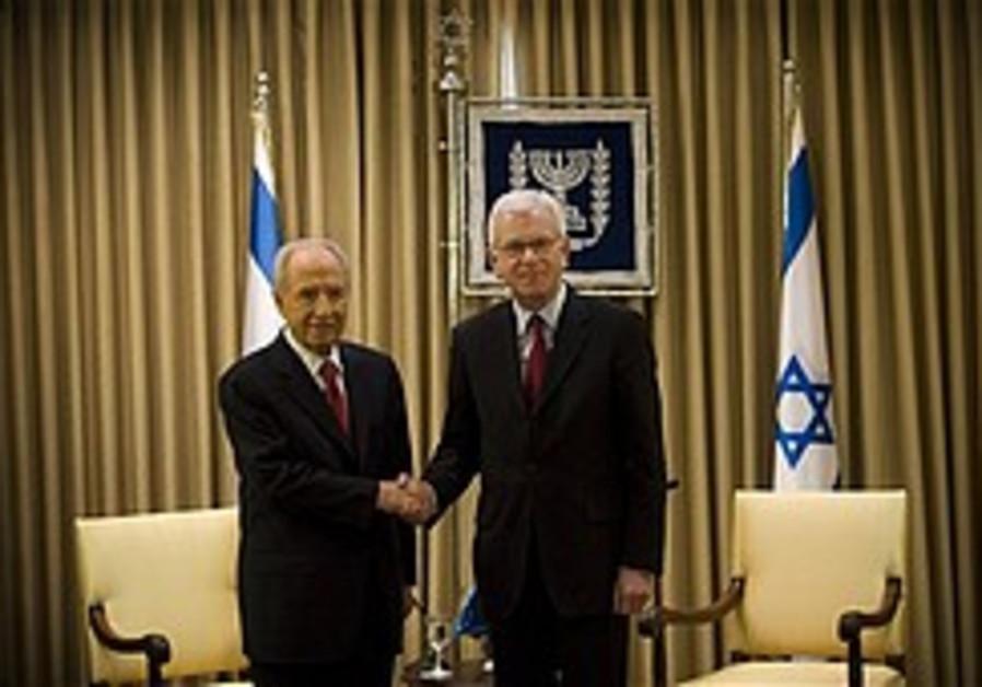 Livni bemoans European anti-Semitism