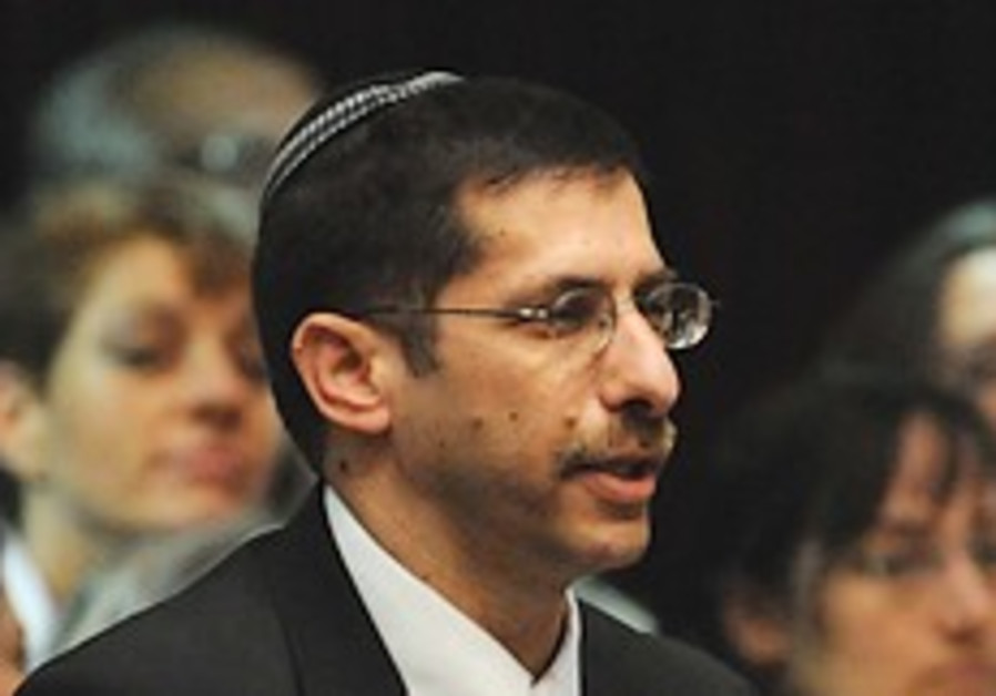 Bill to end wedding fees for rabbis