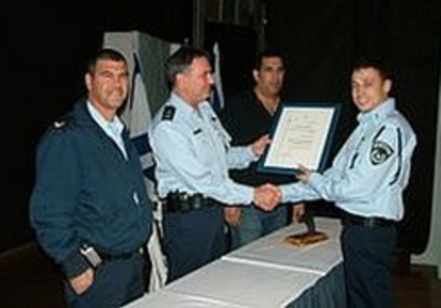 Undercover cop busts Beersheba market heroin network