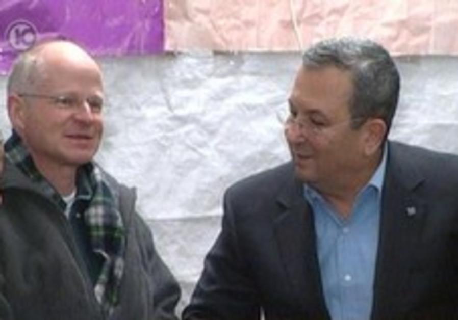 Barak visits Schalits' protest tent