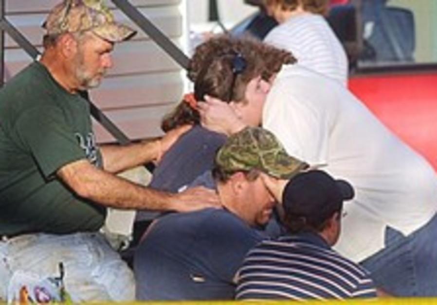Gunman shoots 9 in south Alabama, then himself