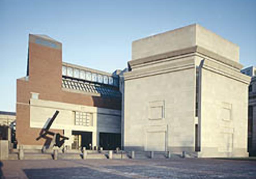 US museum blasted for pro-Nazi mufti bio