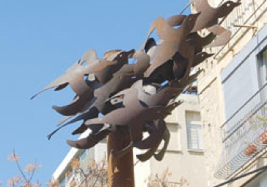 Irit Segel Yisraeli opens outdoor sculpture exhibition