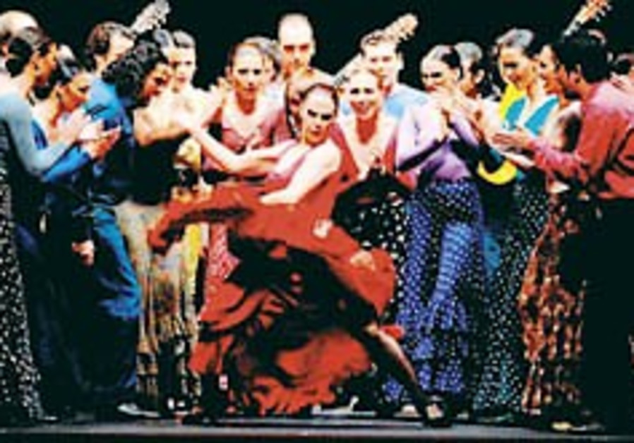 Theater: 'Carmen' seduces and delights