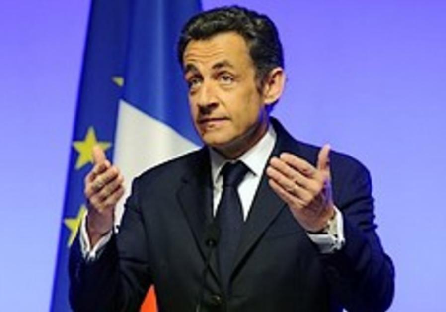 Sarkozy to meet Iran's FM for nuke talks