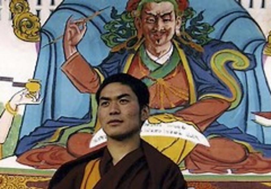 China arrests Tibetan monks after attack on police station
