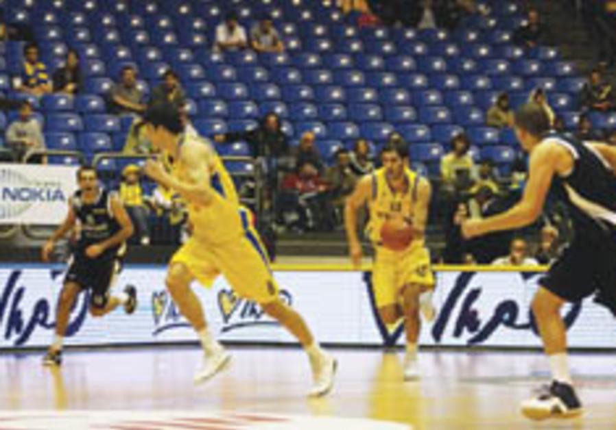 Local Basketball: Casspi turns on the style in Maccabi TA win over Rishon