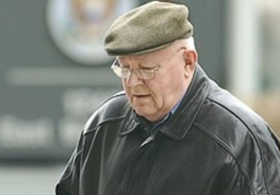 US judge revokes stay on Demjanjuk deportation