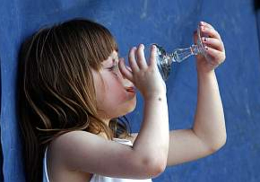 girl child kid drinking water 298