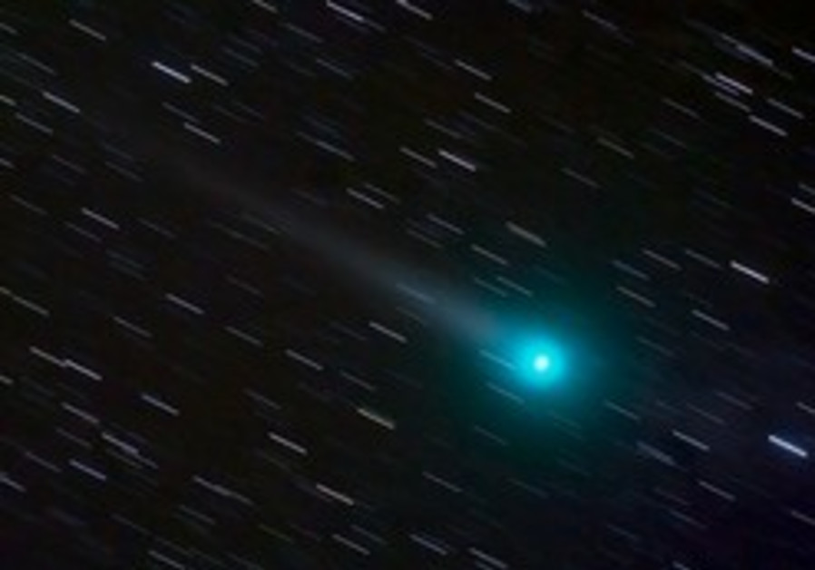 Comets may have jump-started appearance of living organisms, TAU researchers say