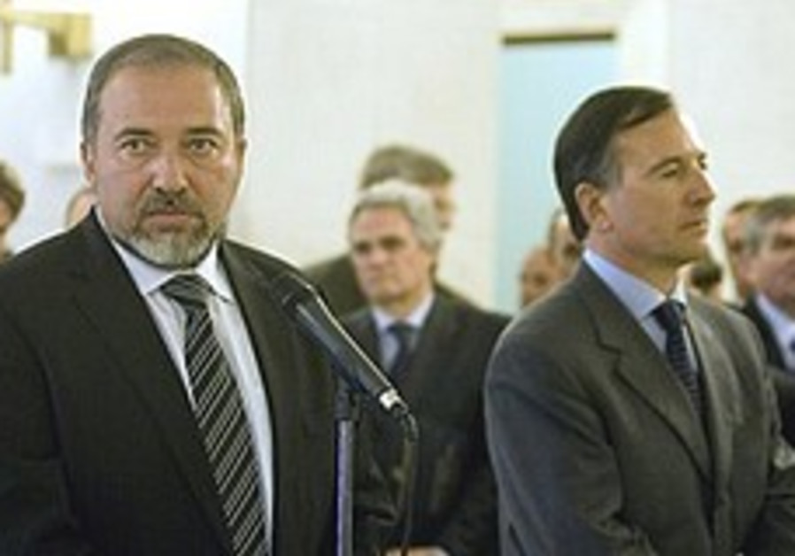 Lieberman in Italy pushes Iran issue