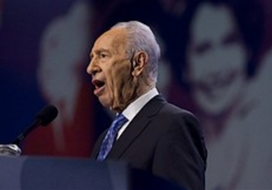 Analysis: Peres unveils Netanyahu's moderate message