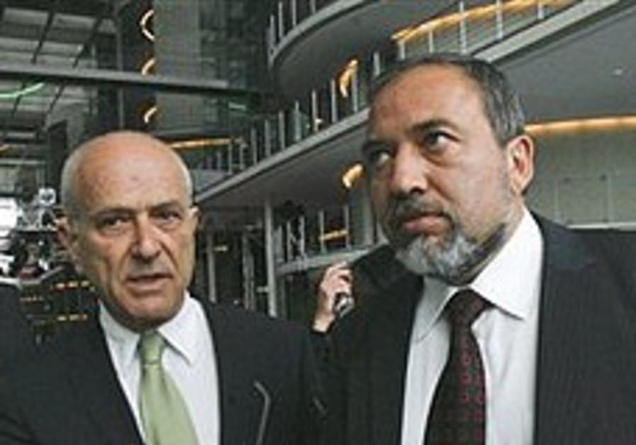 German lawmakers underwhelmed by Lieberman