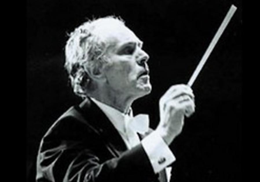 Conductor Mendi Rodan dies at 80